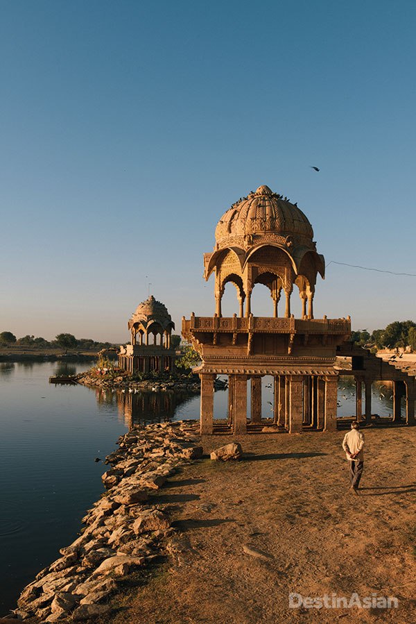A morning stroll among the cenotaphs of Gadi Sagar, an artificial lake to the south of town.