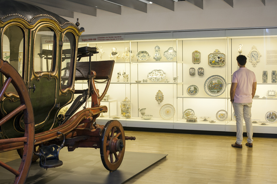 A combination of four museums, Museu del Disseny's displays are spread throughout four stories.
