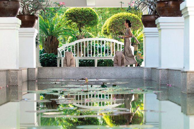 5 hotel spas along bangkok 39 s chao phraya river to pamper for Local spas near me