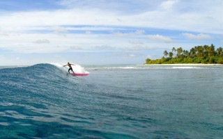 The area has some of the best and emptiest waves in the Maldives.