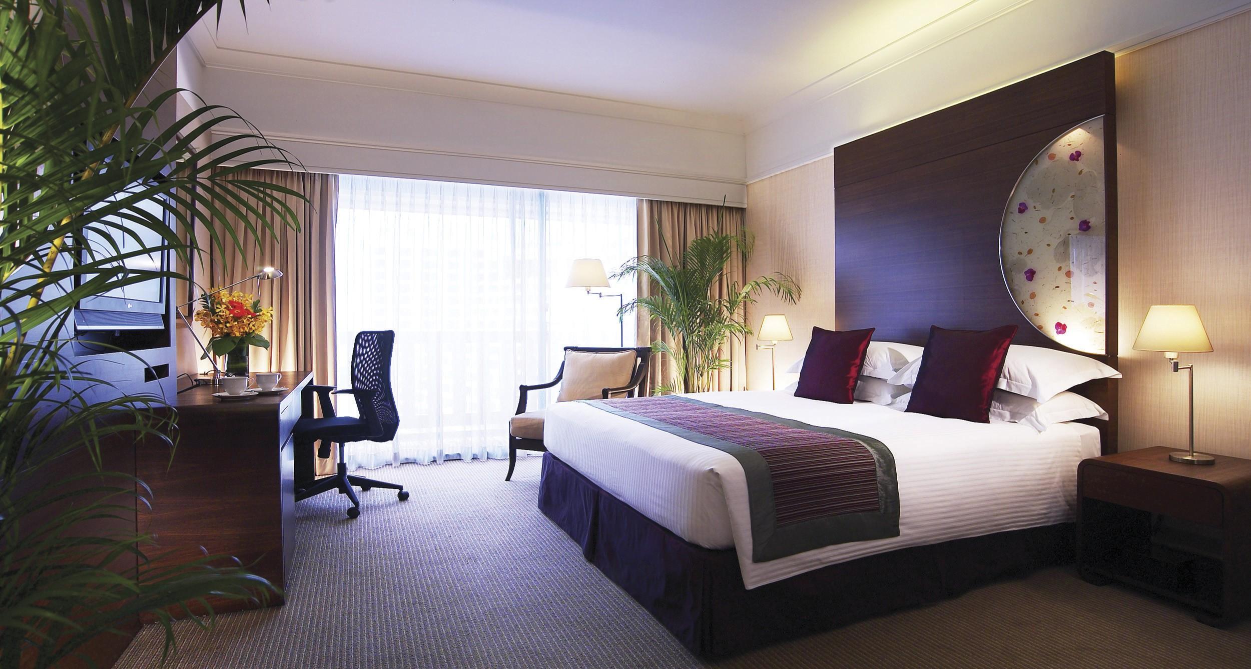 The Executive Deluxe Room at the Marina Mandarin Singapore.