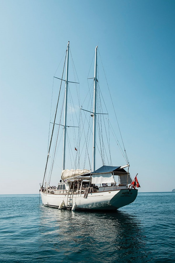 Carrying up to eight passengers at a time, the 25-meter ketch Meta IV is the flagship of Burma Boating's yacht fleet.