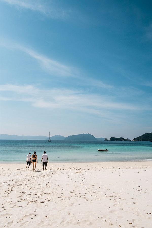 A shore excursion to Kyun Phi Lar Island.