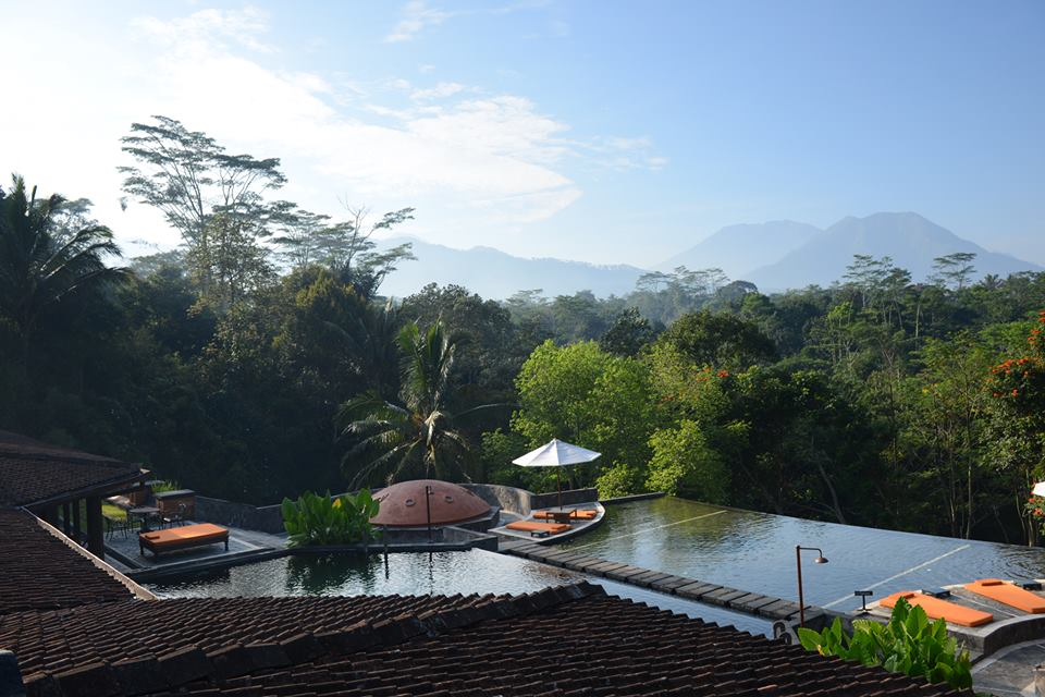 A view of Java's mountains from the MesaStila pool.
