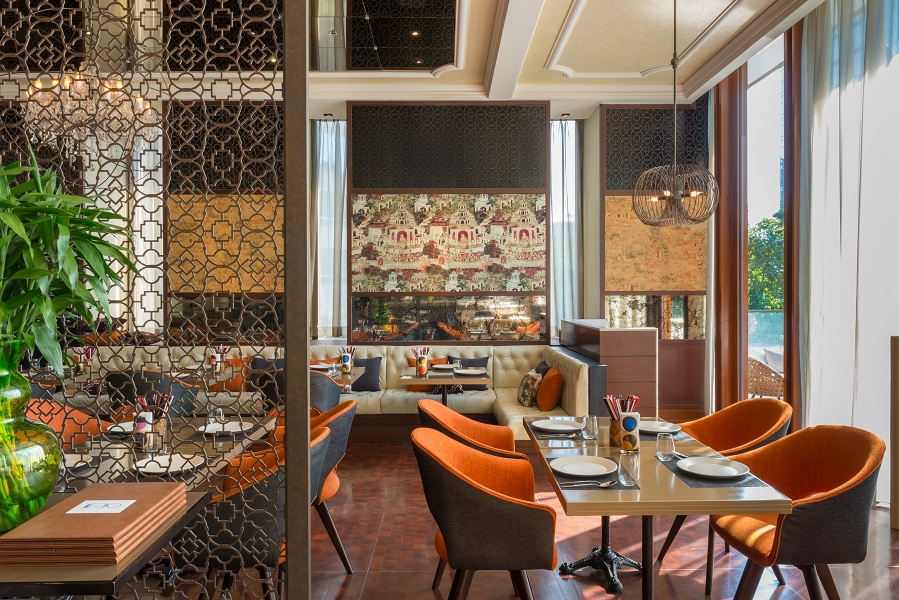 Metro on Wireless, the hotel's all-day restaurant, serves a mix of Thai and Western fare.