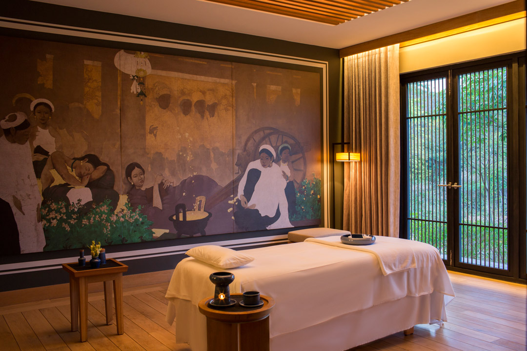 Treatment rooms feature a mural by Vietnamese artist Bui Huu Hung.