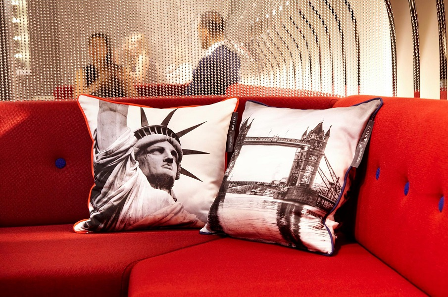 The NY–LON lounge is a celebration of both airlines' New York-London route.
