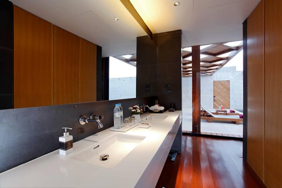 His-and-hers vanities in the bathroom.