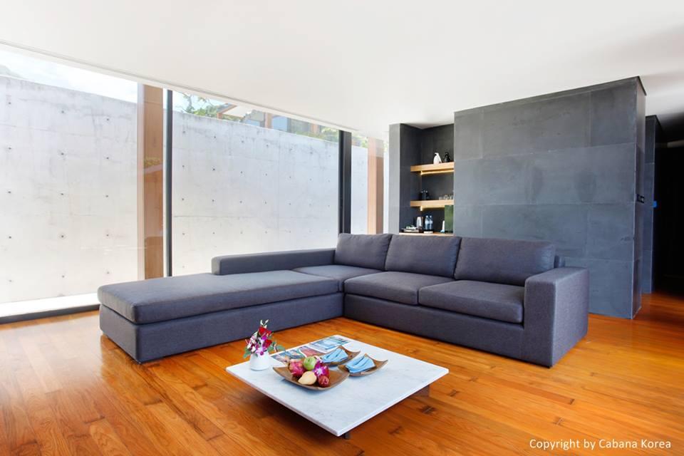 The villa living room.