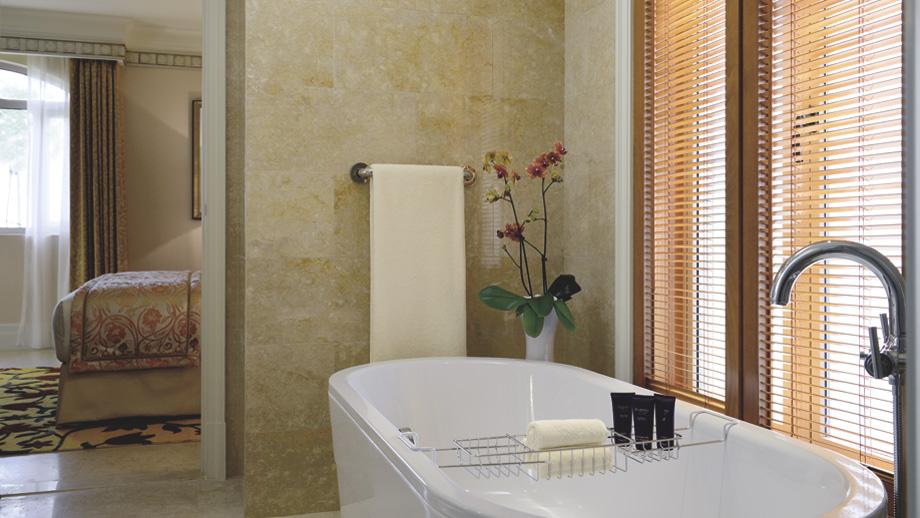 One-bedroom villa bathroom.