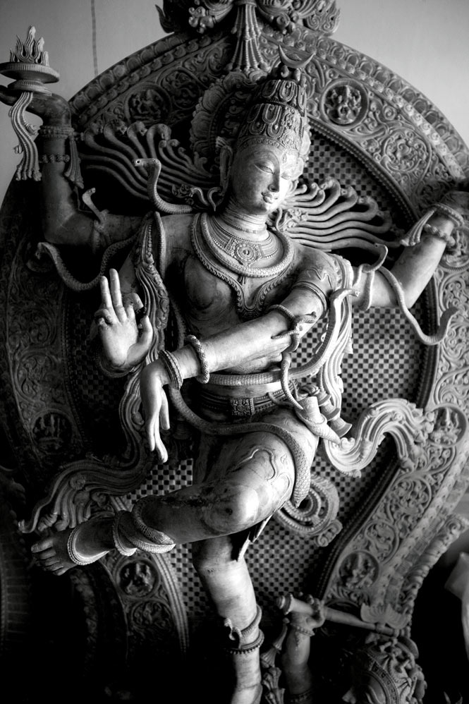 A statue of a dancing Shiva in a Bhubaneswar workshop.