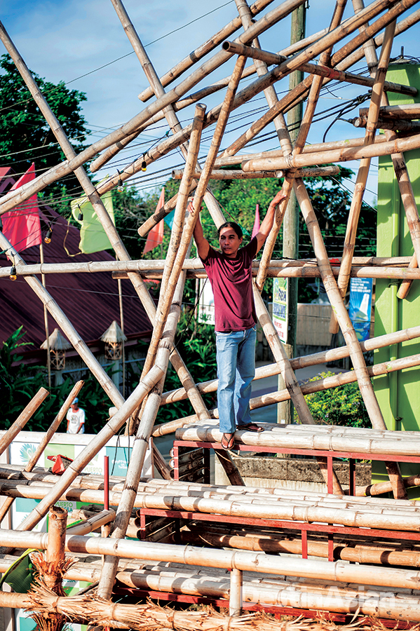 Alvin Bayking and the bamboo installation he designed for Casa Nieves.