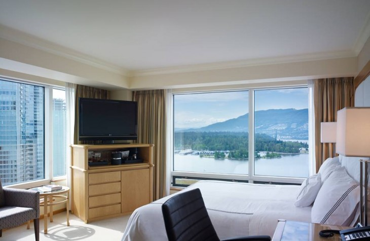 Pan Pacific Vancouver's Premiere Corner rooms come with big windows and a breathtaking view.