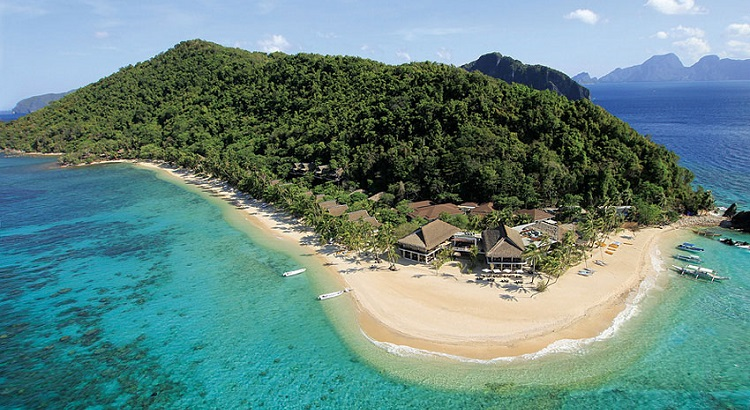 The hotel is home to a total of  42 thatch-roofed villas.