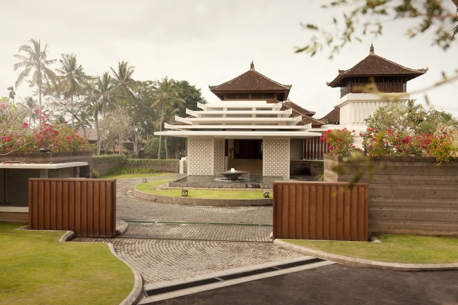 Javanese and Balinese culture influence the new lobby building.