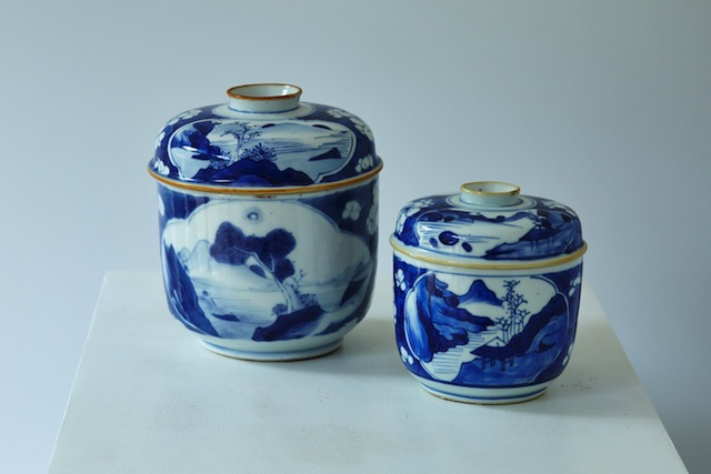 An extensive collection of 15th-century Chinese porcelain can be found in the museum.