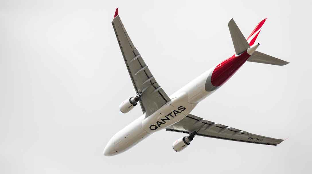 qantas airline analysis Qantas swot analysis profile what is a swot analysis it is a way of evaluating the strengths, weaknesses, opportunities, and threats that affect something.