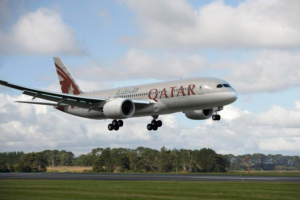 Qatar Airways will supplement existing Boeing 777 service with a Dreamliner.