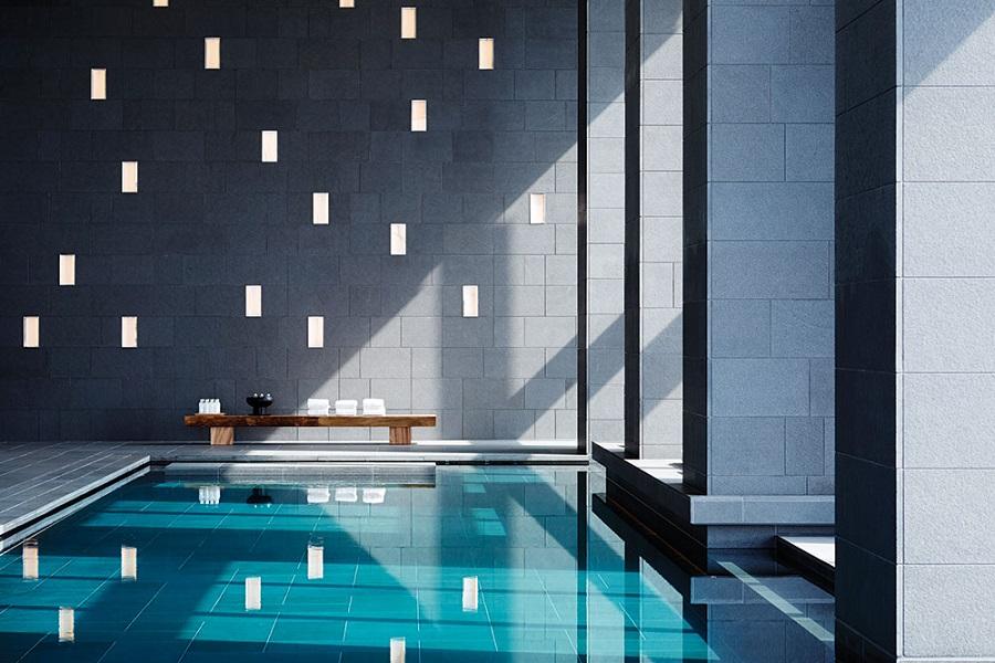 Aman Tokyo's 34th-floor swimming pool.