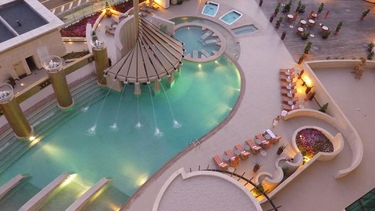 The pool at Raffles Dubai.