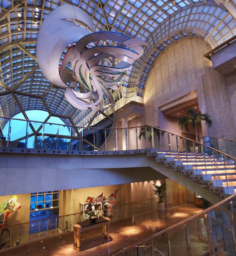 The lobby of the Ritz-Carlton, Millenia Singapore.