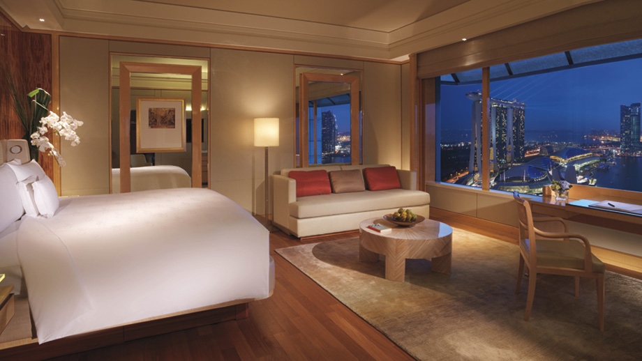 The Ritz-Carlton, Millenia Singapore's Deluxe Room faces Marina Bay.