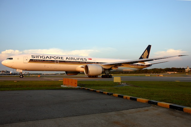 Singapore Airlines uses a Boeing 777-300ER to service its Singapore-Dubai route.