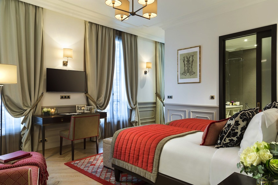 The Citadines Suites Arc de Triomphe Paris gives guests priority reservations at Le Jules Verne, the famous Michelin-starred restaurant located in the Eiffel Tower.