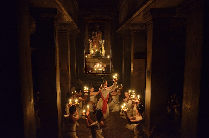 A photo series by Rafael Winer shows a traditional religious ceremony in Angkor Wat.