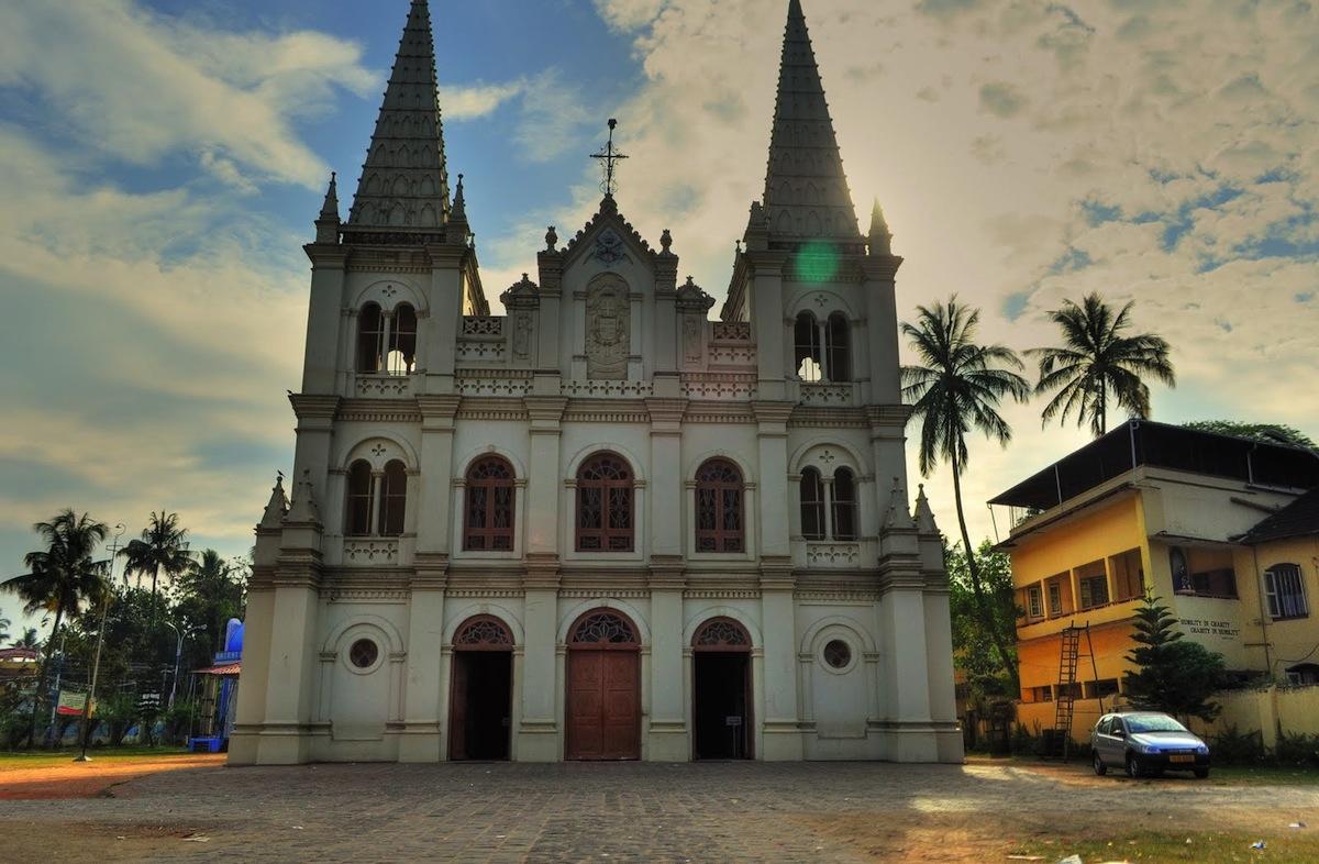 Santa Cruz Basilica shares the city with Chinese traders, a Jewish synagogue, and British Raj-era houses.