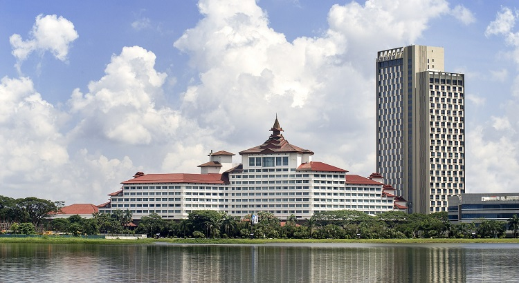Sedona Hotel Yangon comes with views of the Inya Lake.