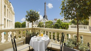 Some of the guestrooms have wonderful views of the Eiffel Tower.