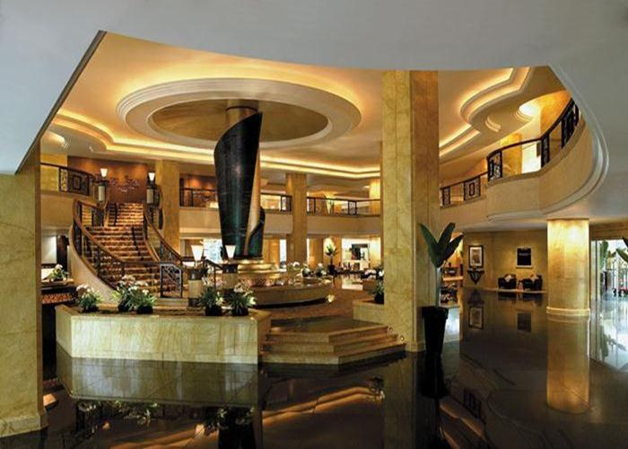 Guests at the Shangri-La Kuala Lumpur can choose from five restaurants and two bars.