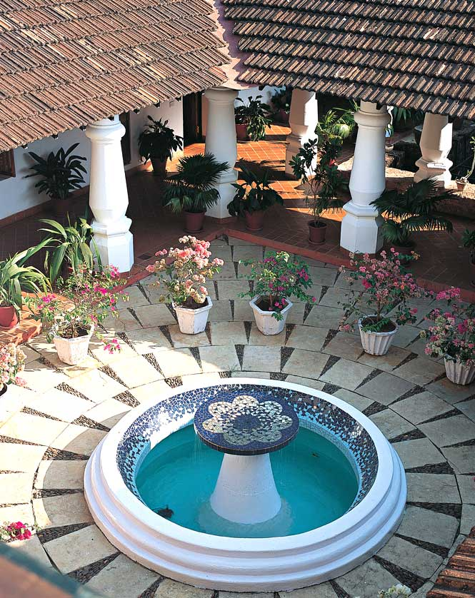 The Moorish-influenced courtyard at Siolim House.