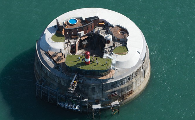Spitbank Fort is a unique retreat in the waters between Portsmouth and the Isle of Wight.