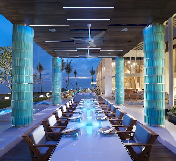 The W Bali's STARFISH BLOO open-air restaurant.
