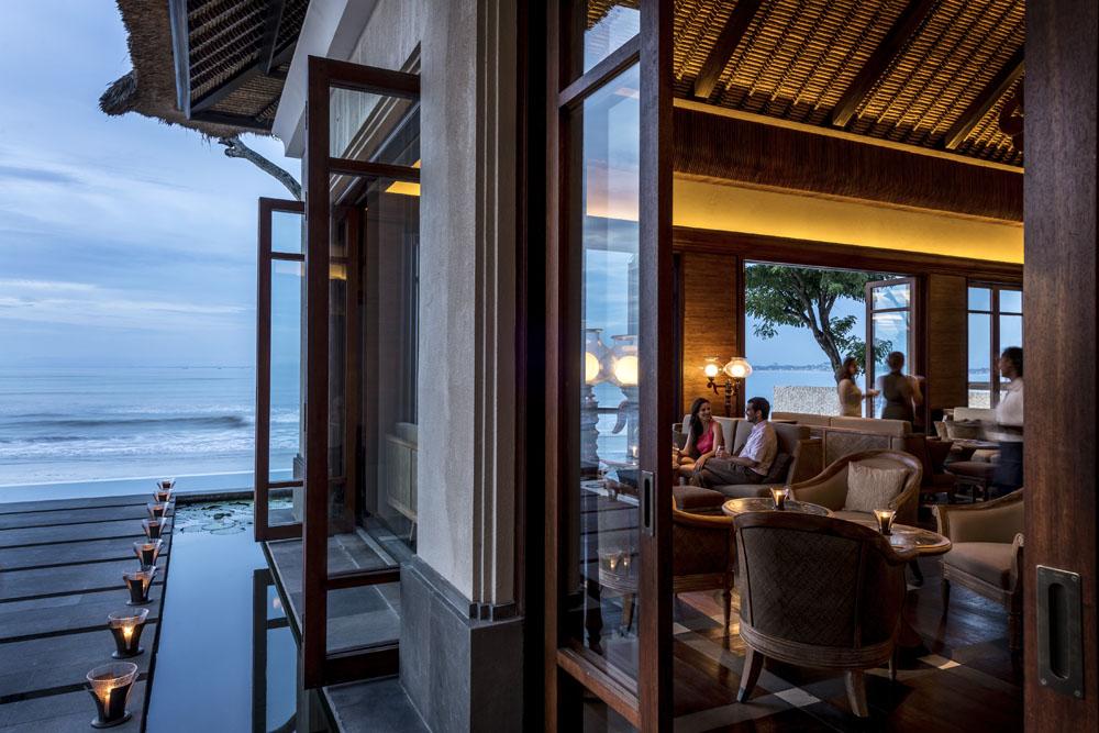 Seaside dining at Sundara.
