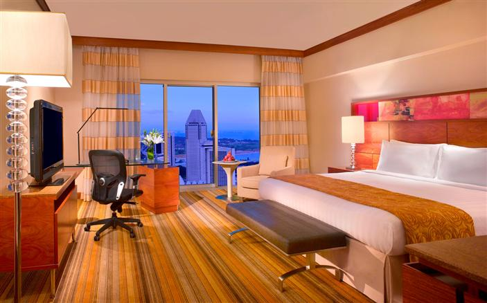 The Classic Room at the Swissotel The Stamford.