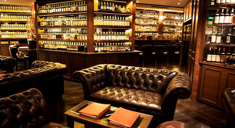 The Auld Alliance bar features 1,500 whiskeys from distilleries around the world.