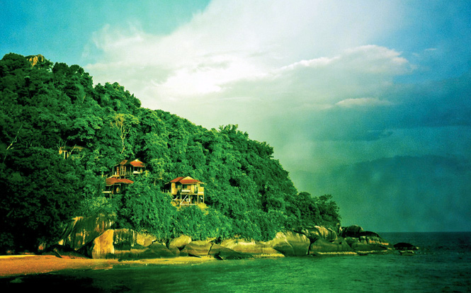 The JapaMala resort occupies a prime hillside location on Tioman's southwest coast.