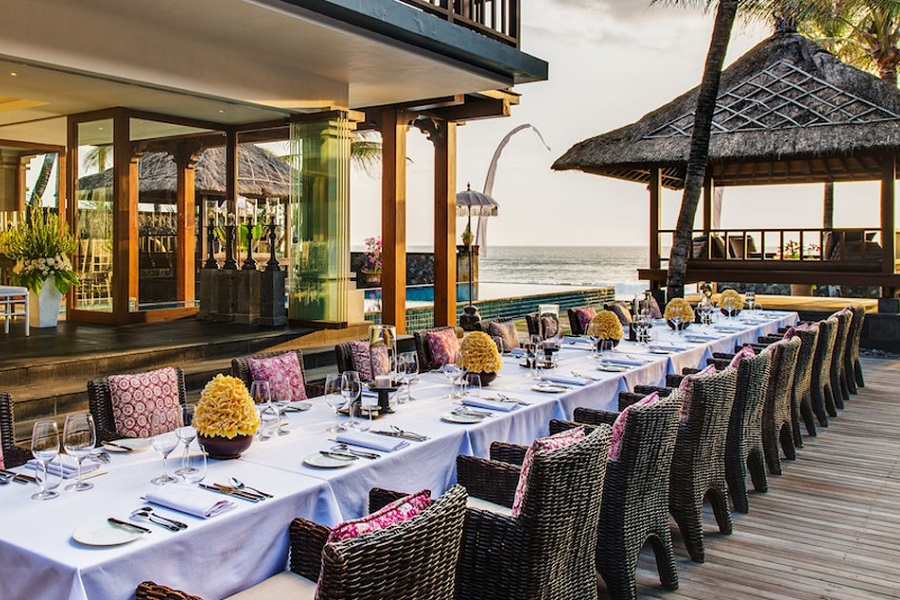 Dinner overlooking the Seminyak Beach.