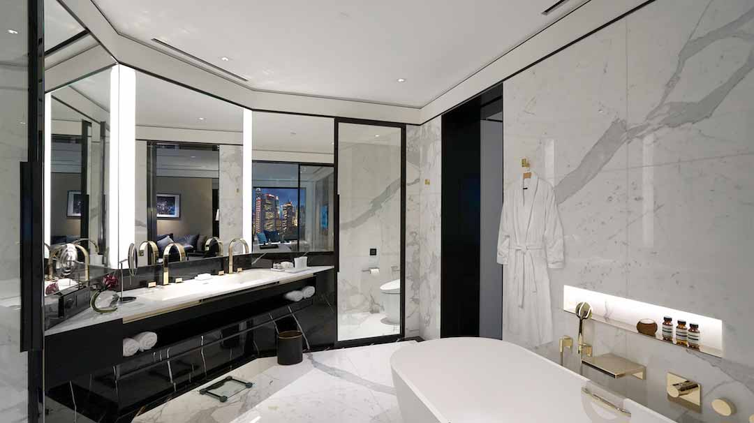 TheMurray_SignatureSuiteBathroom_resize