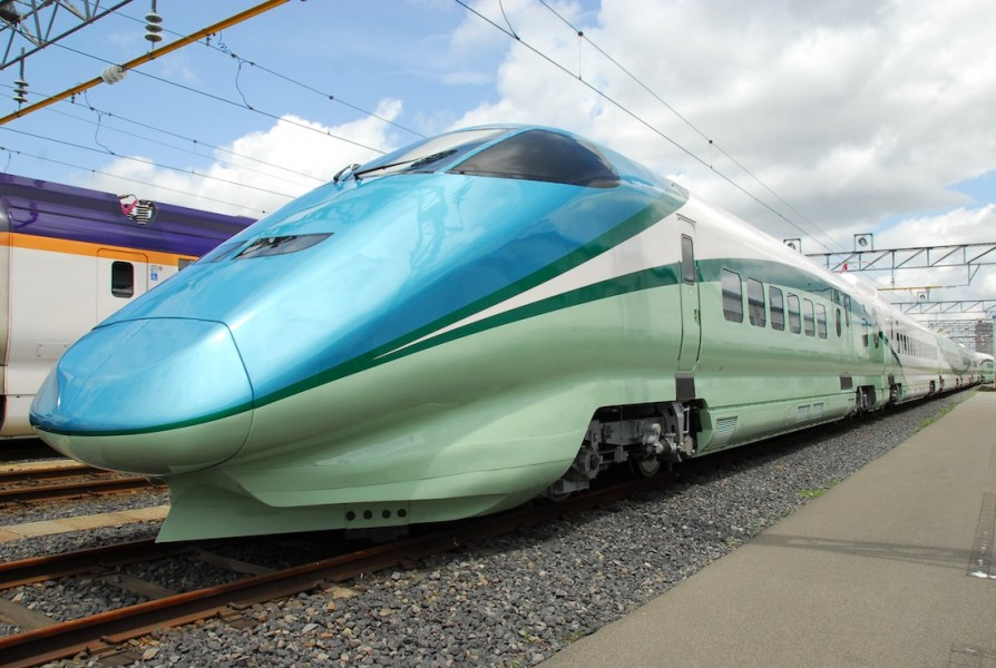 The JR East train will make daily round-trips from Fukushima to Shinjo on weekends.