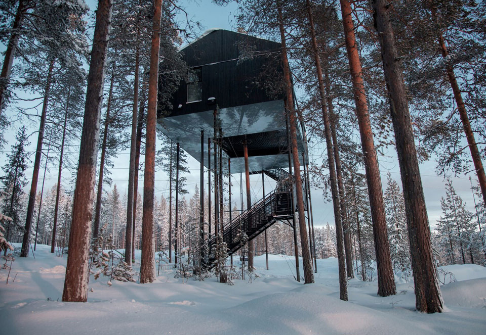 The 7th Room floats ten meters above ground.