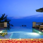 The hotel is located around 15 minutes from Phuket airport.