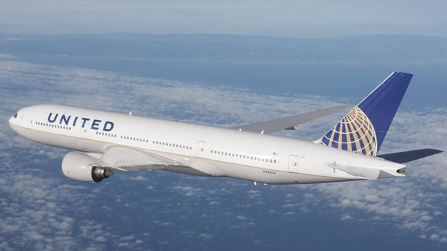 United is replacing its 747-400 with new 777 for its Australia-US route.