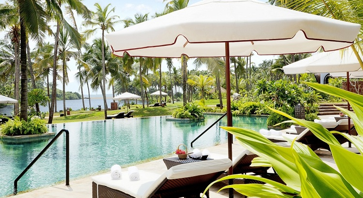 Guests at the hotel can choose to take a dip in the pool or the nearby beach.