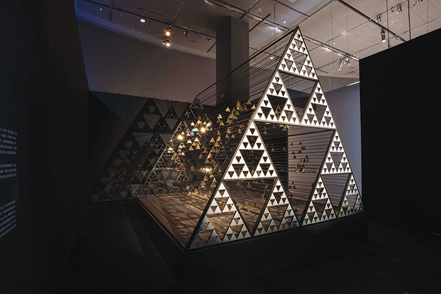 An installation by architecture company WY-TO based on Da Vinci's mathematical theories at Shaping the Future.