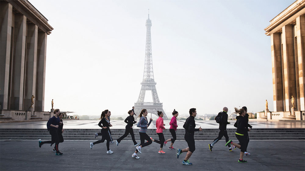 Jogging tours at the Four Seasons Hotel George V in Paris take in some of the city's landmarks.