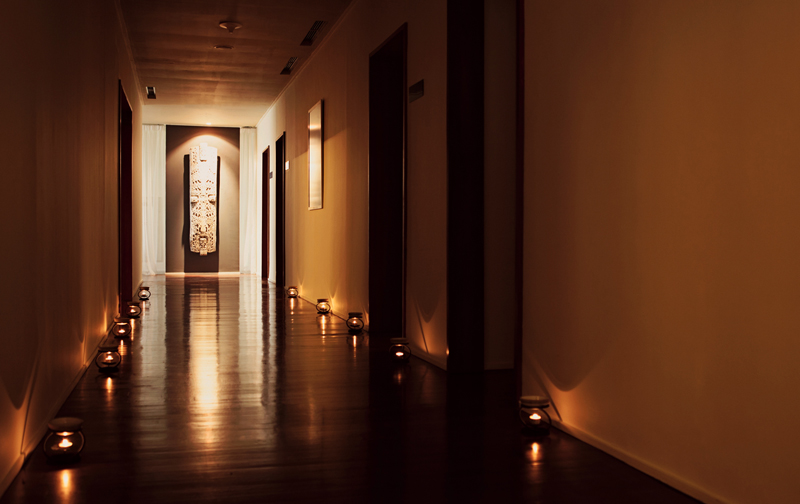 Dim corridors created an intimate atmosphere.